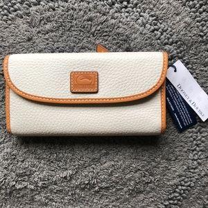 Dooney & Bourke Cream Patterson Clutch Wallet